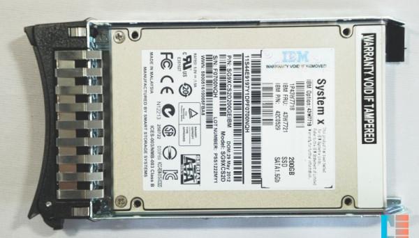 43W7720 2.5in MLC HS SSD 200GB SATA